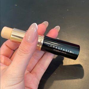 Anastasia warm beurres stick foundation